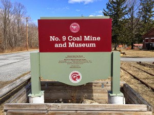 Picture of No 9 Coal Mine and Museum SIgn
